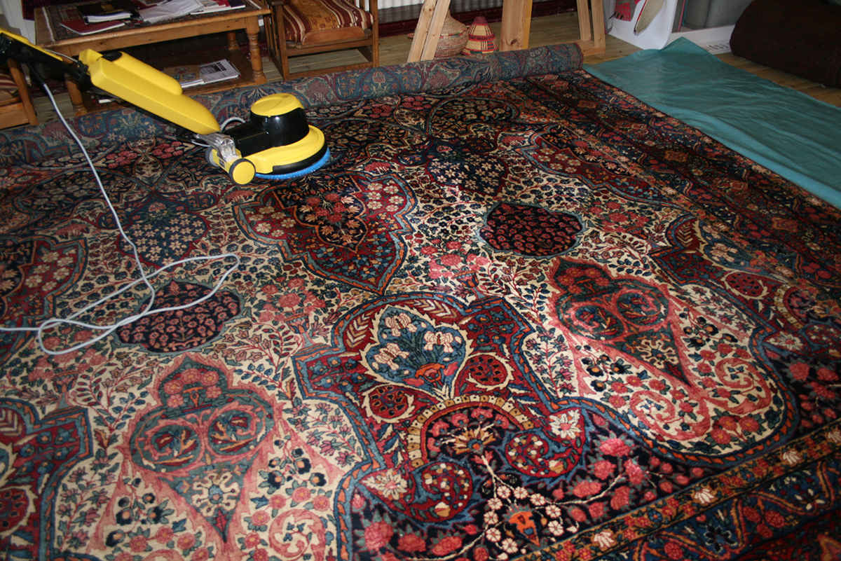 شست وشو فرش دستبافت در قالیشویی